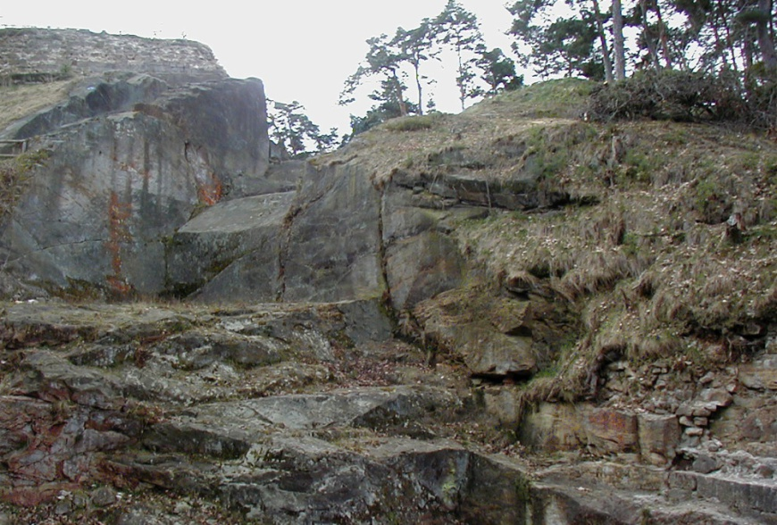 Torgraben der Festung Regenstein - Friederichsburg April 2003