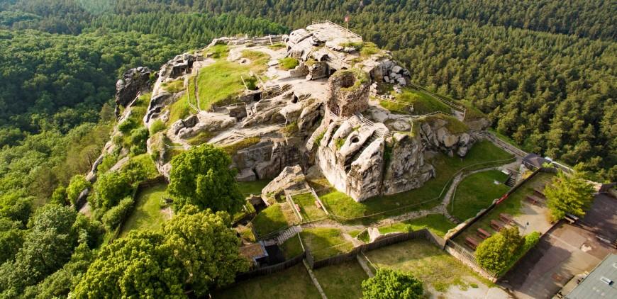 Luftbild Burg Regenstein vom 02.06.16 mit einer Drohne. Foto: JurecGermany CC BY-SA.