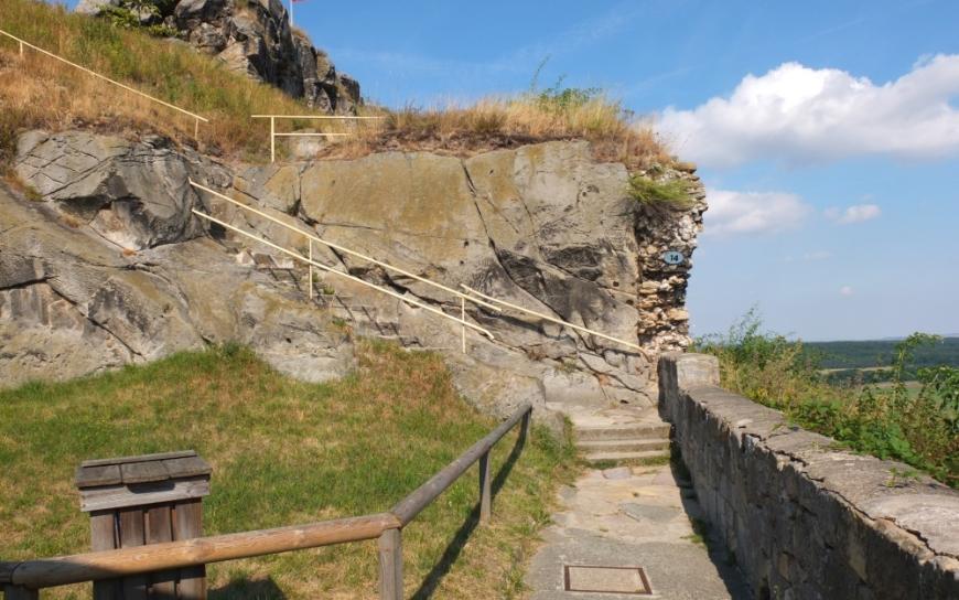 Regenstein - Übergang zur Felsenburg