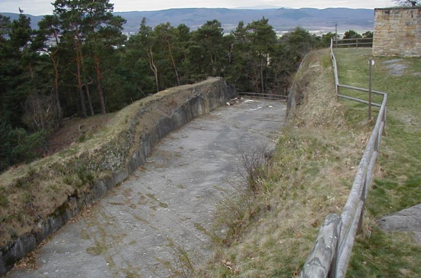Festung Regenstein, Felsgraben
