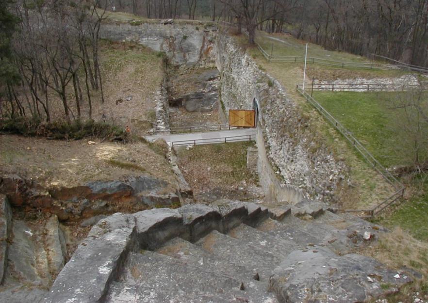 Festung Regenstein - Toranlage von der Bastion Friederichsburg aus gesehen. April 2003.