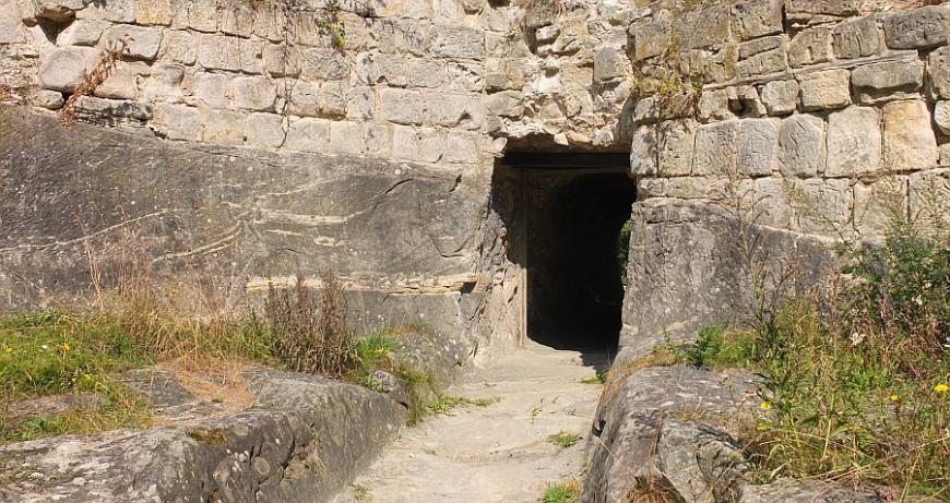 Festung Regenstein, Ausgang des Raubgrafentunnels.