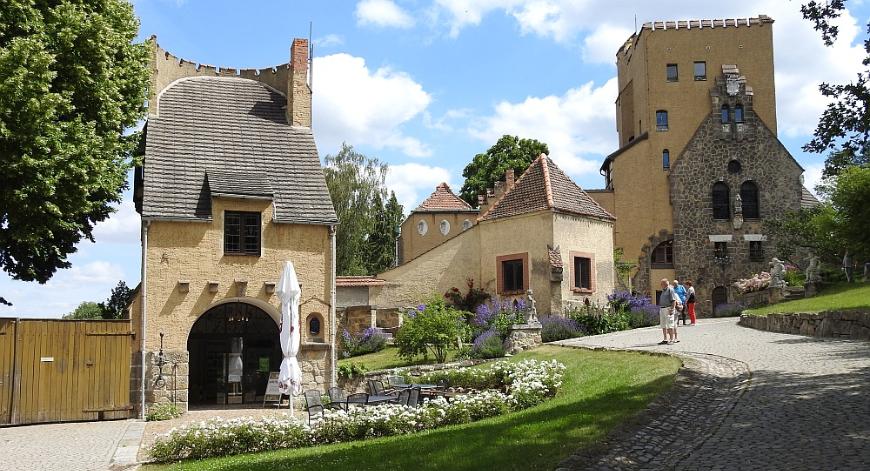 Die Roseburg bei Ballenstedt.