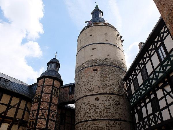 Burg Falkenstein - Im Hof der Kernburg.