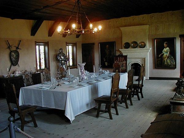 Burg Falkenstein - Rittersaal. (Foto 2004)