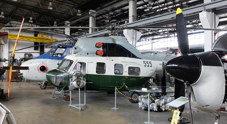 Luftfahrtmuseum Wernigerode - Hubschrauber in der ersten Ausstellungshalle