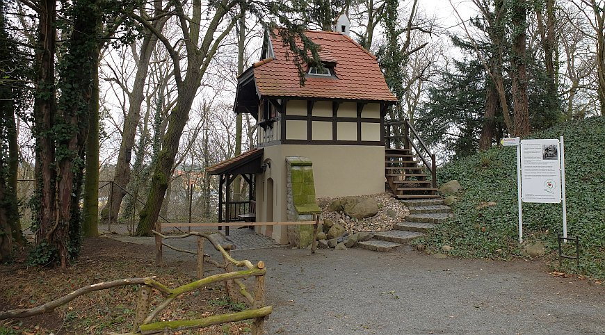 Zoo Aschersleben - restauriertes Gartenhaus