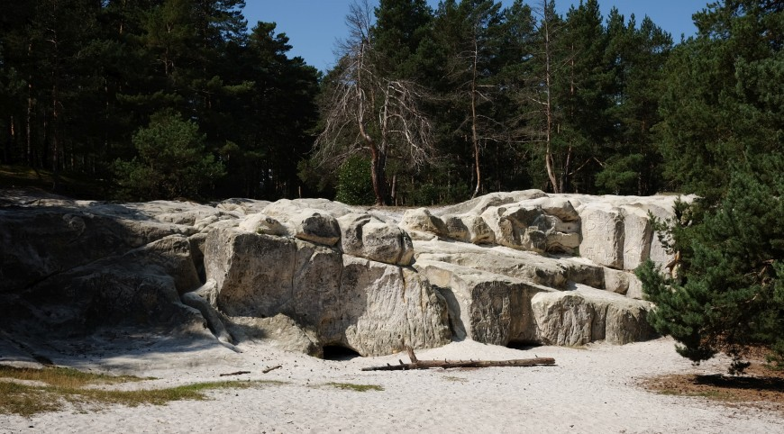 Sandhöhlen am Heers unterhalb des Regensteins