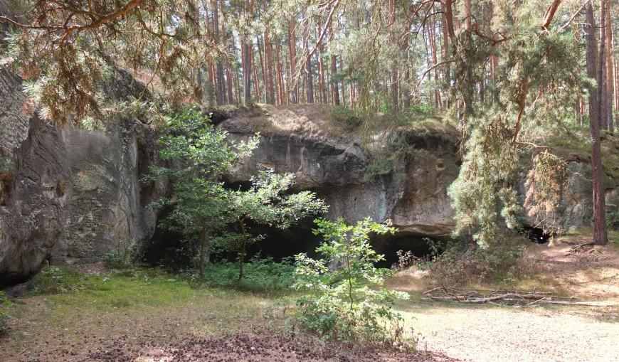 Sandhöhlen am Regenstein, südlich der Heerstraße