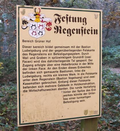 Festung Regenstein, Hinweisschild zum Grünen Hof.