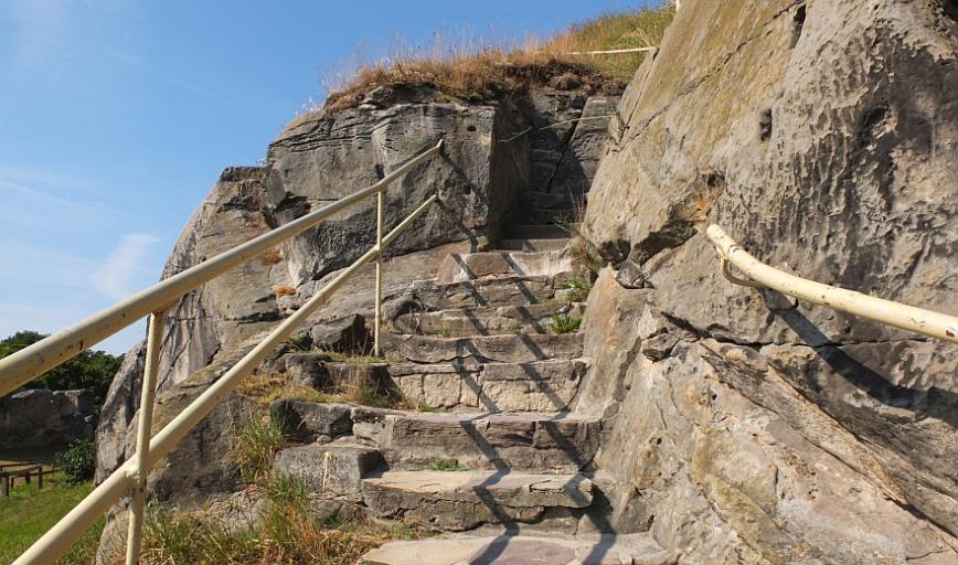 Burg Regenstein - östlicher Aufstieg. (Foto: 2013)