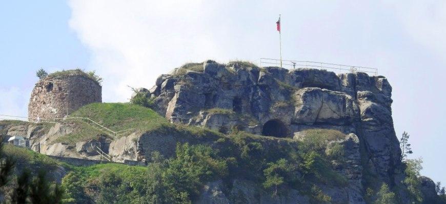 Burg Regenstein - Das Massiv von der Nordseite.