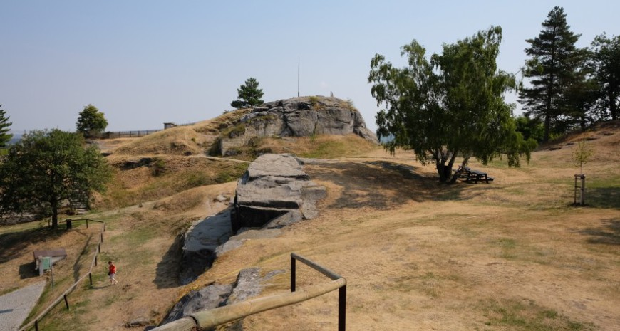 Festung Regenstein - westlich abfallendes Gelände mit der Bastion Mühlberg