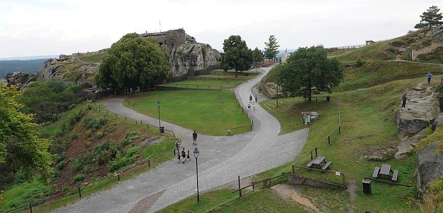 Festung Regenstein - Blick auf das Gelände (Foto: 08/2020)