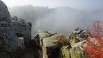 Burg Regenstein im Nebel.