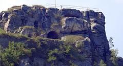 Die Nordseite der Burgruine aus ca. 500 m Entfernung.